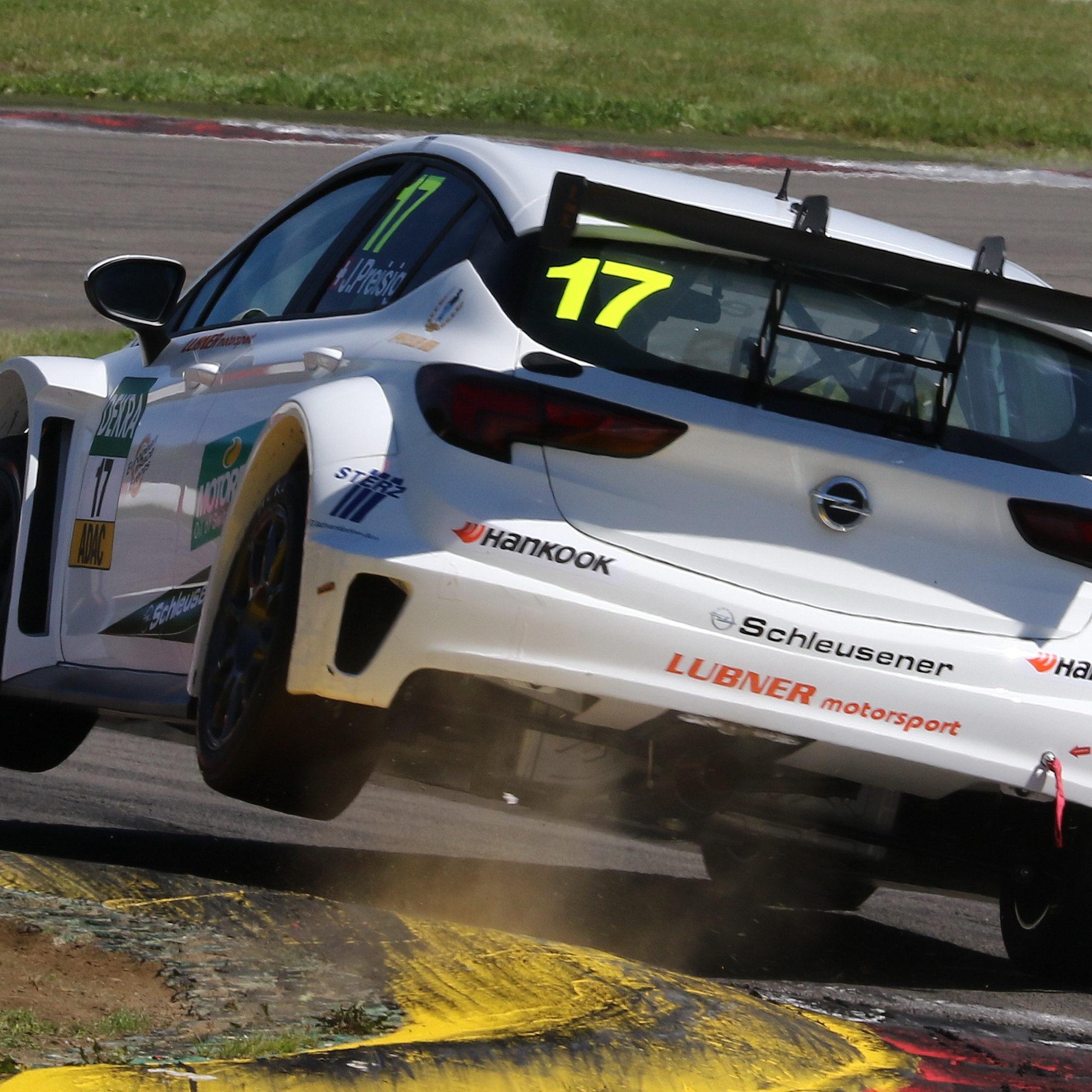 Opel Astra TCR - Jasmin Preisig